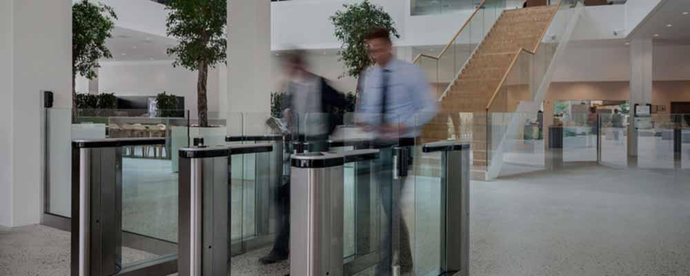 control d' accés presència lleida control seguretat torn barrera